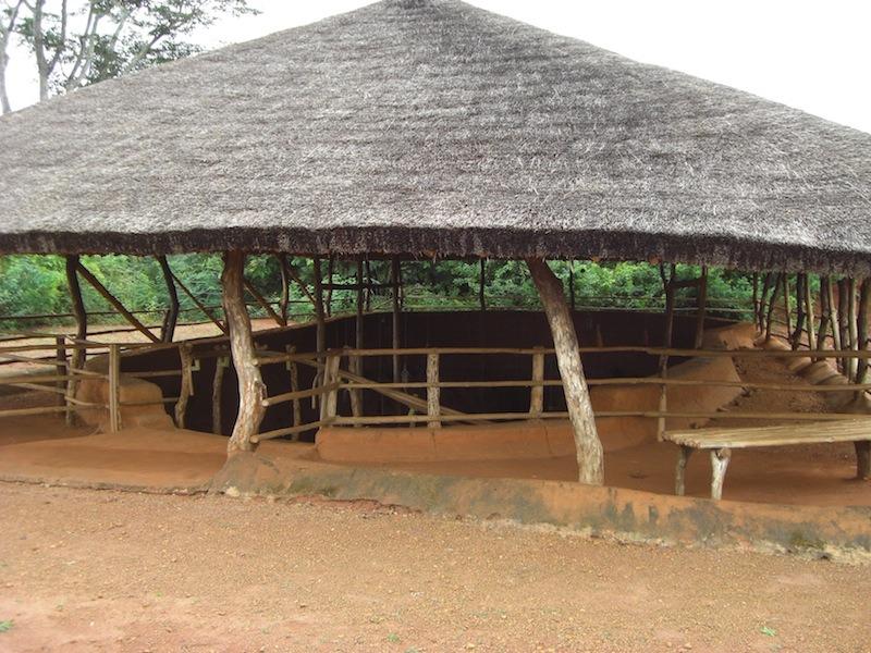 village-souterrain-parc-archeologique-agongointo-benin-1