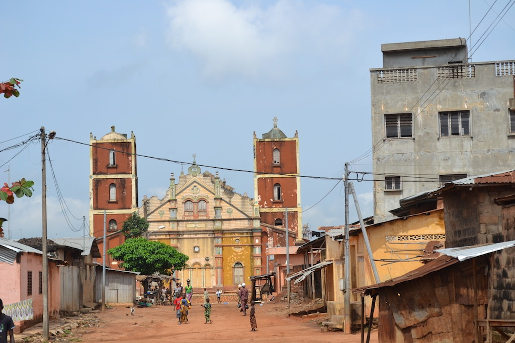 benin-la-grande-mosquee-de-porto-novo-patrimoine-darchitecture-afro-bresilienne-1