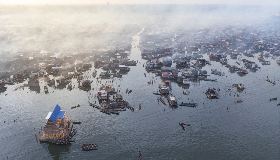 nigeria-lagos-ecole-flottante-de-makoko-par-kunle-adeyemi-nominee-design-de-lannee-2014-17