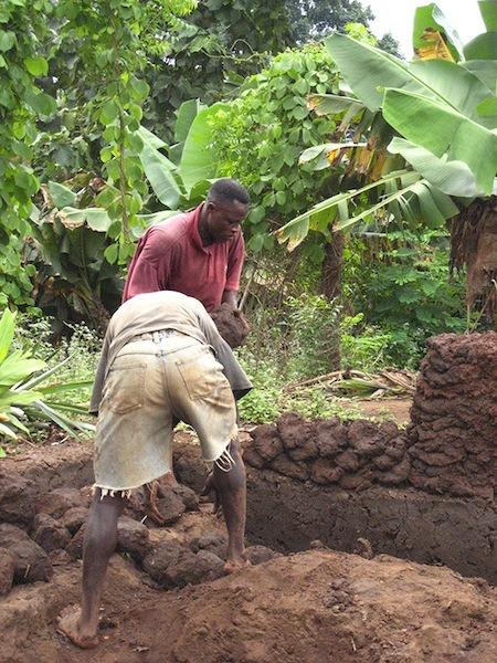 architecture-africaine-des-murailles-en-terre-aux-murs-en-ciment-par-pierre-boutin-sma -3