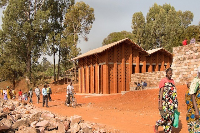 bibliotheque-de-muyinga-par-bc-architects-21