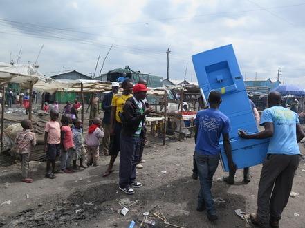 innovation-blue-diversion-des-toilettes-reunissant-le-meilleur-de-deux-mondes-6