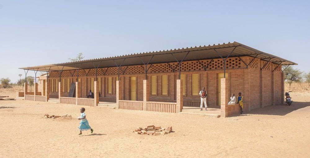 mali-gangouroubou-ecole-primaire-au-pays-dogon-par-levs-architecten-13