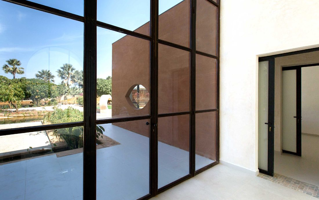 Khamsa-house-residence-privee-en-terre-au-senegal-atelier-koe16
