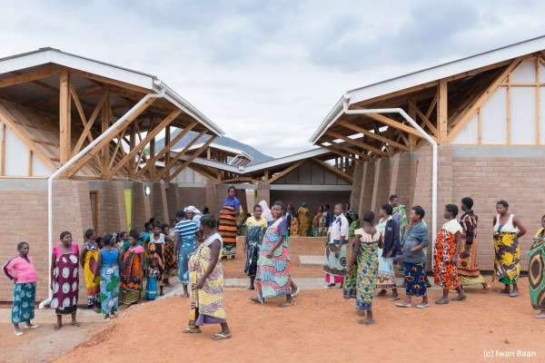 village-de-mise-en-observation-de-femmes-enceintes-mass-design-group-malawi-2